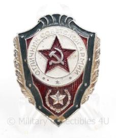 Russische  USSR Excellent Warrior badge - 4 x 3 cm - origineel