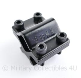 Rifle mount voor kijker of laser -  4 x 3 cm - origineel