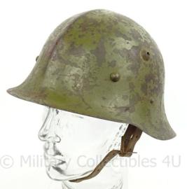 WO2 Bulgaarse M36 helm Type B met WO2 liner - met kinriem - origineel