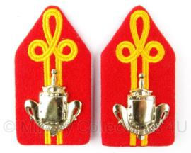 """KL Koninklijke Landmacht Kraagstukken """"infanterie Opleiding"""" - 4 x 7,5 cm - origineel"""