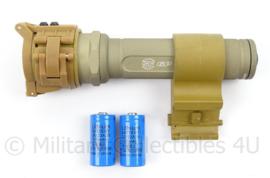 KL landmacht SureFire 6P geweer mount en rood licht lens - met nsn nummer - zeldzaam - afmeting 14,5 x 7 x 4,5 cm - origineel