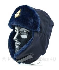 Nederlandse Politie bontmuts met insigne - maker Hassing BV - donkerblauw - maat 54 - origineel