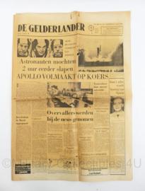 Krant de Gelderlander Apollo volmaakt op koers - maandlanding 17 juli 1969 - origineel