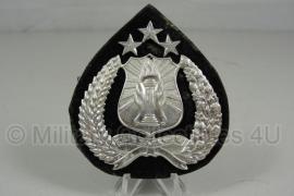 """Petembleem Politie """"onbekend"""" -  7 x 6,5  cm origineel"""