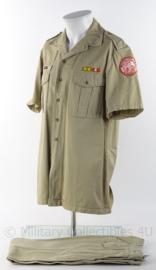 """KMAR Koninklijke Marechaussee """"sinaai missie"""" overhemd en broek met originele insignes - maat 42 - origineel"""