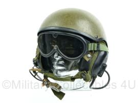 Nederlandse en Britse leger Helmet combat vehicle crewmans DH132 maker Gentex met koptelefoon en bril- Maat Large- Origineel