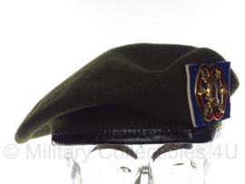KL Nederlandse leger baret met Verbindingsdienst insigne 1990 - maat 57 - maker Hassing BV - origineel