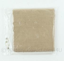 Defensie katoenen driekanten doek met 2 veiligheidsspelden khaki - NIEUW in verpakking - origineel