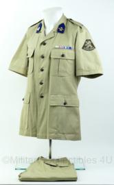 KL vroeg tropen tenue met alle insignes - Maat 50 - nieuw - origineel