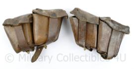 Oostenrijks WO2 Steyr paar patroon tassen  - bruin leer -gedateerd 1930 & 1960- 18 x 10 x 5 cm - origineel