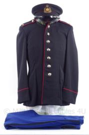 """KL Koninklijke Landmacht gala uniform jasje, broek en pet van de Limburgse Jagers """"adjudant """" - maat 48 - 1963 - origineel"""