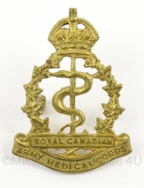 WO2 Canadees baret of pet insigne Royal Canadian Army Medical Corps - afmeting 3 x 4,5 cm - origineel