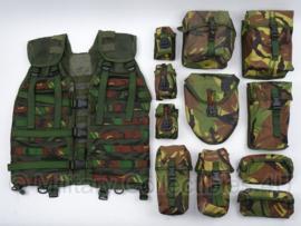 Nederlands Modulair gevechts Vest MGV GROEN Molle - complete set MET OFFICIEEL AANTAL TASSEN! - maat Medium of Large - origineel
