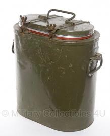 Metalen voedsel gamel / thermokist 15 liter met inhoud - WO2 model!