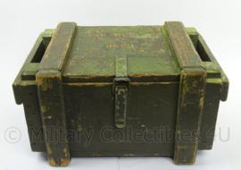 KL Landmacht houten munitiekist - afmeting 53 x 38 x 29,5 - origineel
