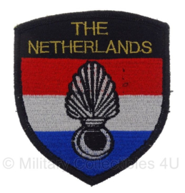 KMAR The Netherlands Internationale missies embleem - 8 x 9 cm - origineel