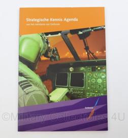 Nederlandse Defensie Strategische Kennis Agenda naslagwerk - 24 x 17 x 0,5 cm  - origineel