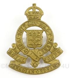 WO2 Canadees baret of pet insigne Royal Canadian Ordnance Corps - afmeting 4 x 5 cm - origineel
