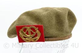MVO jaren 50 baret met insigne Menno van Coehoorn - lijkt op Wo2 Brits Canadees model - maat 53 - origineel