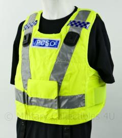 Britse politie fluor geel vest PSCO met portofoon houders - kogelwerende hoes leeg - nieuw - one size - origineel