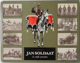 Boek Jan Soldaat in oude prenten - L. Verhoef - afmeting 22 x 17,5 cm - origineel