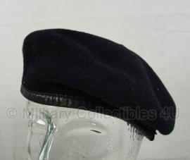 Britse leger baret gebruikt - donkerblauw - 51 tm. 54 cm.  - origineel