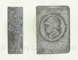 Duitse metalen houder voor luciferdoosje (kapot)- origineel