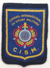 KL Landmacht CISM Conseil International du Sport Militaire embleem - afmeting 7,5 x 11 cm - origineel