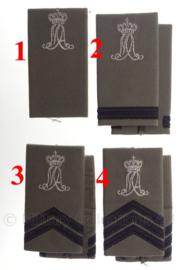KLU Luchtmacht GVT MA Militaire Academie schouderstukken - zilveren letters - verschillende rangen - origineel