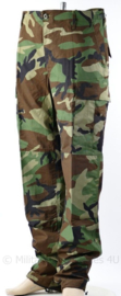 Zeldzaam Korps Mariniers Woodland forest camo broek met Permethrine - huidig model -  Nederlands Fabricaat -  maat Medium-Long - origineel