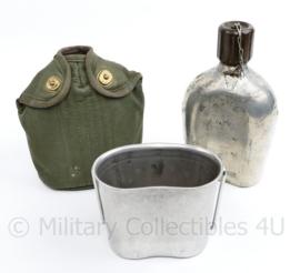 Zeldzame MVO 1955 veldfles set met zeldzame vertinde stalen fles - 22 x 12,5 x 8 cm - gebruikt - origineel