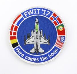 Klu Luchtmacht embleem FWIT 17 De Fighter Weapons Instructor Training Here Comes The Boom - diameter 10 cm - met klittenband - origineel