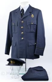 Klu Luchtmacht  1966  uniform set - broek, jas en pet  - maat 52 1/4 - mooie matching set - origineel