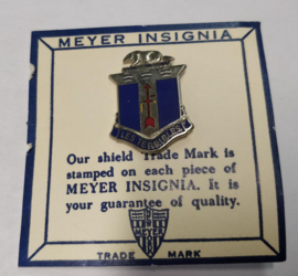 US Army 128th Infantry Regiment Les Terribles S unit crest metaal - 2,9 x 2,3 cm - maker Meyer - origineel