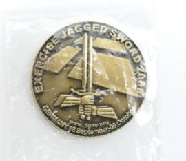 Duits Nederlandse Corps Exercise jagged Sword 2006 coin - Germany 18 september - 06 october - nieuw in de verpakking - diameter  3,5 cm - origineel