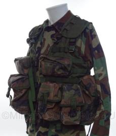 Korps Mariniers Molle OPS vest met tassen EN INHOUD ! in forest camo -  Maat L  -  origineel