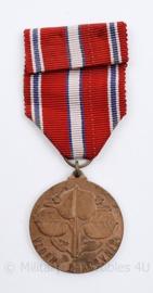Tsjechische Medaille Vzorny Pracovnik - Ministerie van onderwijs - 10 x 4 cm - origineel