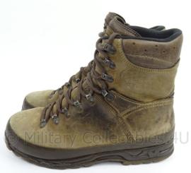KL Landmacht Meindl schoenen donkerbruin met Vibram zolen - gedragen - maat 45 - origineel