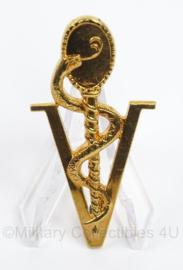 KLu Luchtmacht Verpleegkundige insigne - afmeting 3 x 6 cm - goudkleurig - origineel