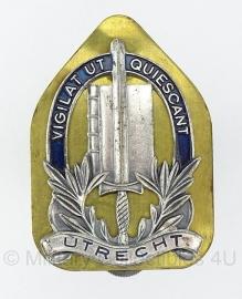 """Gemeentepolitie UTRECHT """"Vigilat Ut Quiescant"""" brevet embleem - origineel"""