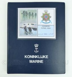 Koninklijke Marine en Korps Mariniers naslagwerk - handboek patrol SIGS - origineel