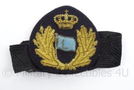 Nederlandse Koninklijke Marine Rijksloodsen Loodswezen antiek pet insigne met elastische band - afmeting 9 x 8 cm - Zeldzaam - origineel