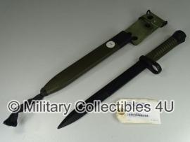 Spaanse Cetme L bayonet met houder - origineel