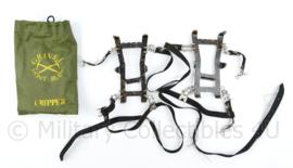 Defensie Grivel Gripper sneeuwijzers in zakje  - 15 x 7 x 2 cm  - origineel