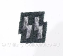 SS polizei Runen - klein model (2 cm. hoog) - groen / zilver
