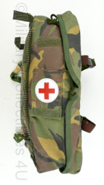 Defensie Woodland Geneeskundige dienst rugzak zijtas - zonder inhoud - 35 x 25 x 12 cm - origineel