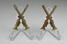 Zweedse wo2 set kraag insignes metaal - infanterie - origineel
