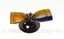 NL  knoop medaille linten - 2 medailles -  origineel
