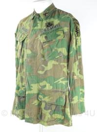US Army Vietnam oorlog Jungle Fatique uniform jasje - rang Captain Special Forces - 3rd model ERDL POPLIN camo - gedateerd 1969 - zeldzaam - maat M - origineel