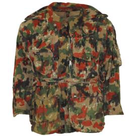 Zwitserse leger m70 camo parka met capuchon en rugzak - gedragen - maat 52  - origineel